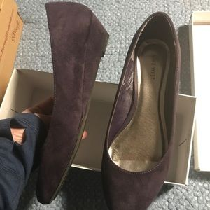 Low Plum Wedges. Adorable. Size 9